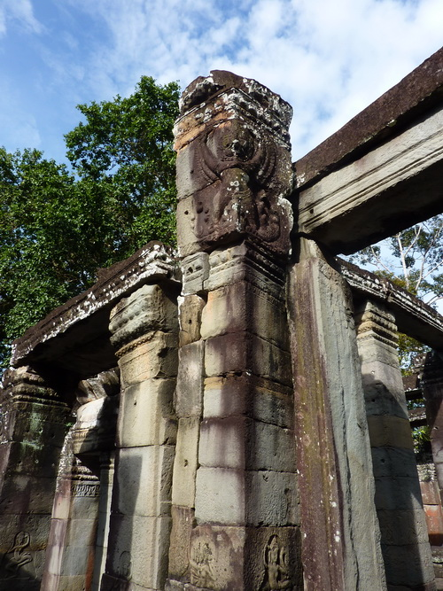 Banteay Kdey. Hall of Dancers